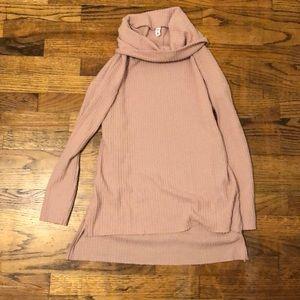 Rose BP turtleneck sweater